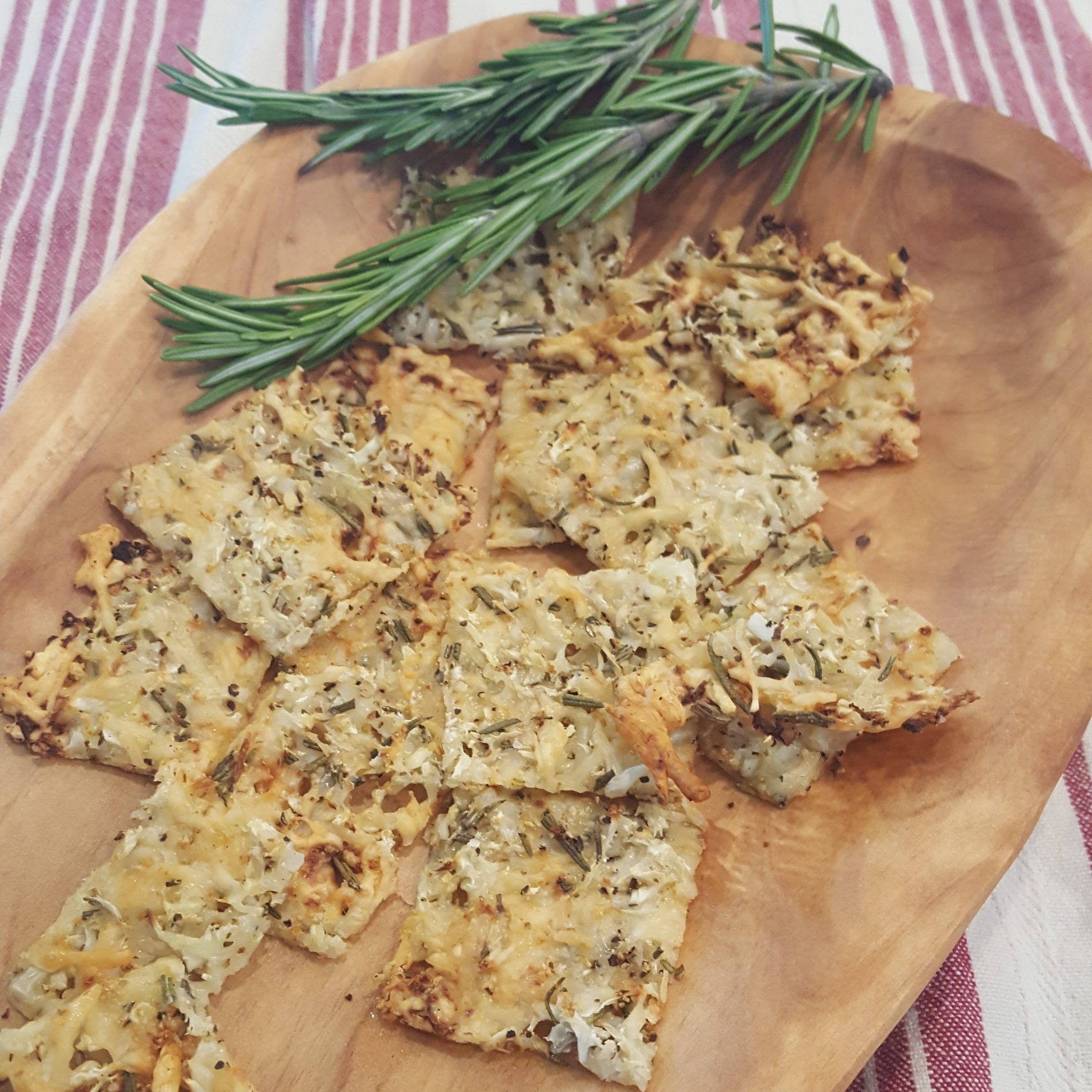 Rosemary Cauliflower Cheese Crisps